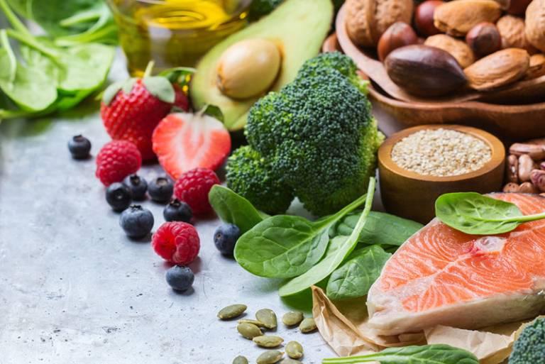Rau xanh, trái cây là những thực phẩm đặc biệt tốt cho hệ tiêu hóa