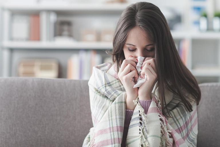 triệu chứng viêm mũi họng