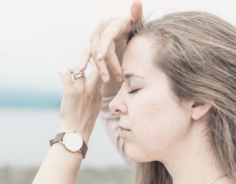 cách bấm huyệt trị nghẹt mũi
