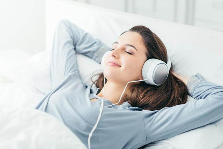 cách ngủ ngon nhanh bằng nghe nhạc