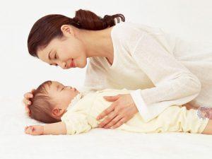 Cách thụt hậu môn cho trẻ sơ sinh đúng cách