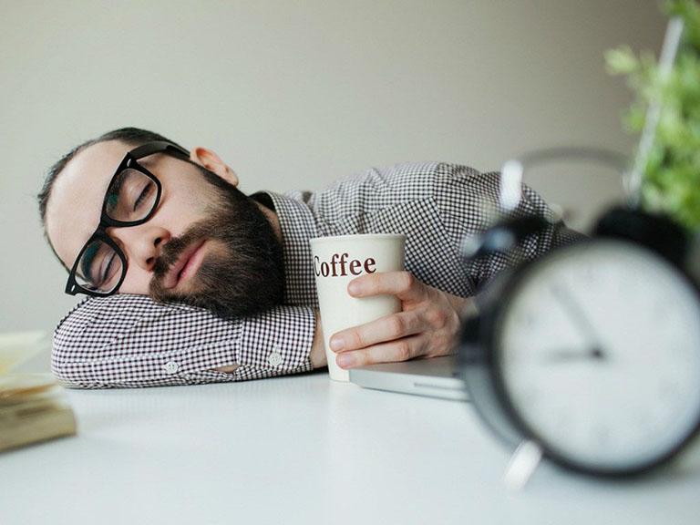 Làm thế nào để dễ chìm vào giấc ngủ khi khó ngủ trưa