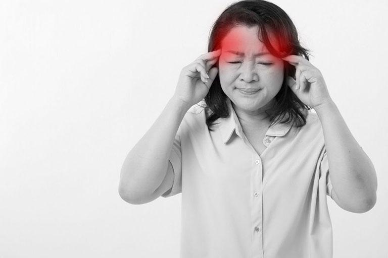 Người bị buồn nôn khan là bệnh gì