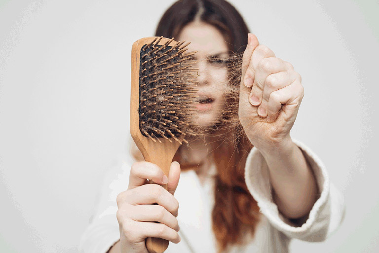 Bị Rụng Tóc Nhiều Là Thiếu Chất Gì? Cách Bổ Sung
