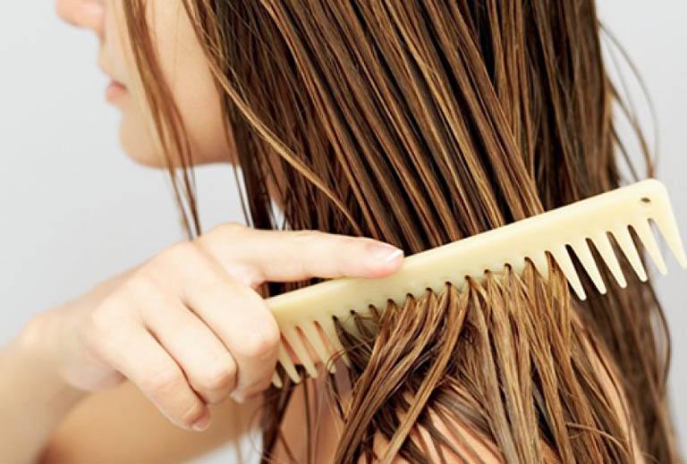 cách trị rụng tóc sau sinh tại nhà