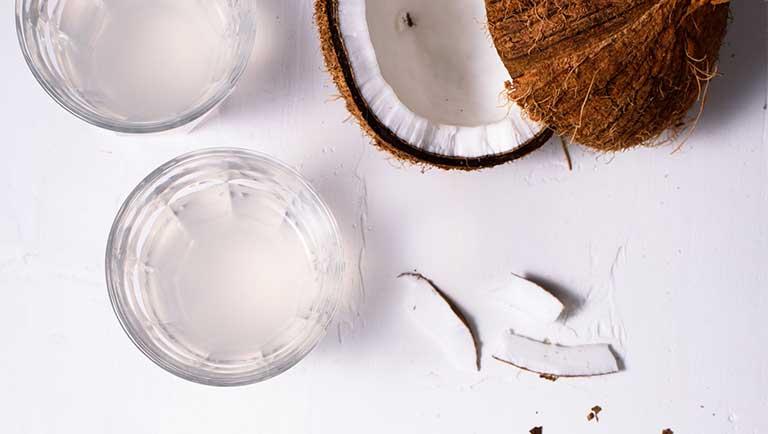 uống nước dừa có tác dụng gì cho da