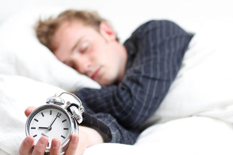 ngủ ngày có tốt không