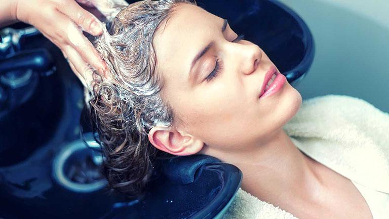 rụng tóc nhiều ở tuổi 18