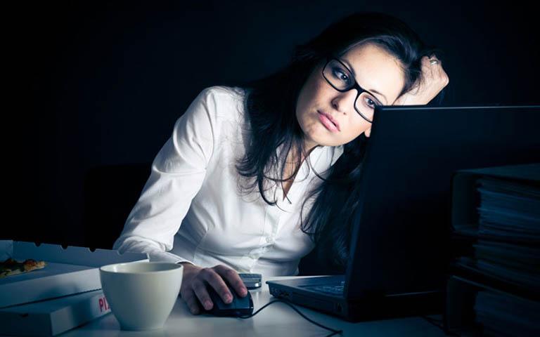 tác hại của việc ngủ muộn