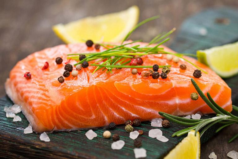 đau dạ dày có nên ăn cá không