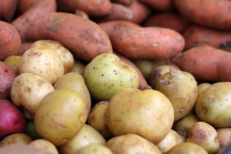 Trào ngược dạ dày nên ăn khoai