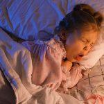 trẻ ho khi ngủ
