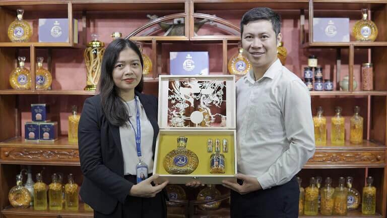 Vietfarm vinh dự cung cấp 300 set quà đặc biệt cho lễ kỷ niệm 10 năm thành lập của Tập đoàn Y dược Vietmec