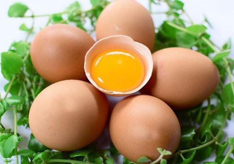 ho ăn trứng gà được không