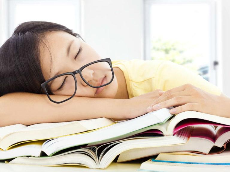 khó ngủ ở tuổi dậy thì