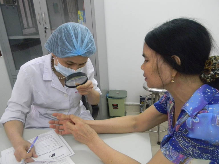 quy trình điều trị vảy nến bằng UVB
