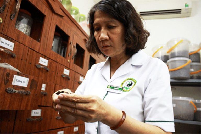 Bác sĩ đã có hơn 30 năm kinh nghiệm trong điều trị bệnh da liễu