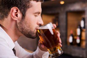 Bệnh trĩ có uống bia được không?