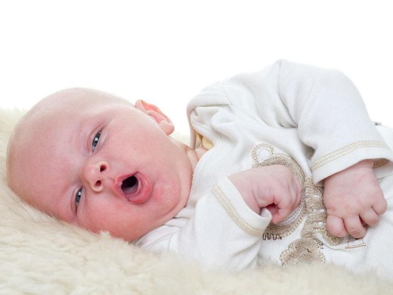 trẻ 2 tháng tuổi bị ho