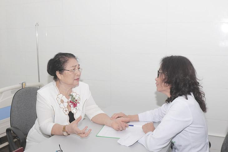 Nghệ sĩ Kim Xuyến từng chữa khỏi viêm xoang thành công tại Quân dân 102