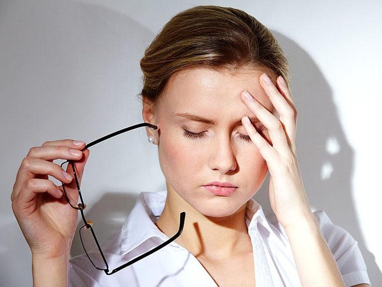 Rối loạn kinh nguyệt có thể gây thiếu máu dẫn tới hoa mắt, mệt mỏi, chóng mặt