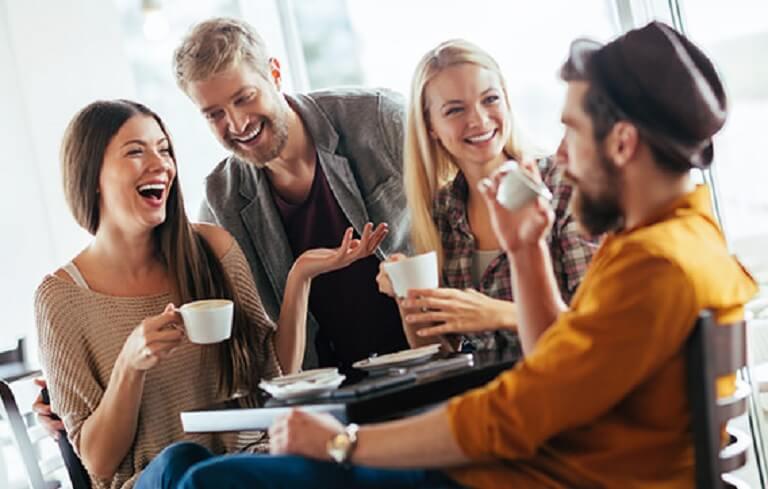 Trò chuyện với bạn bè sẽ giúp giải tỏa những căng thẳng