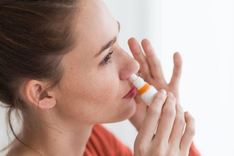 Cách sử dụng thuốc xịt mũi trị viêm xoang tốt nhất