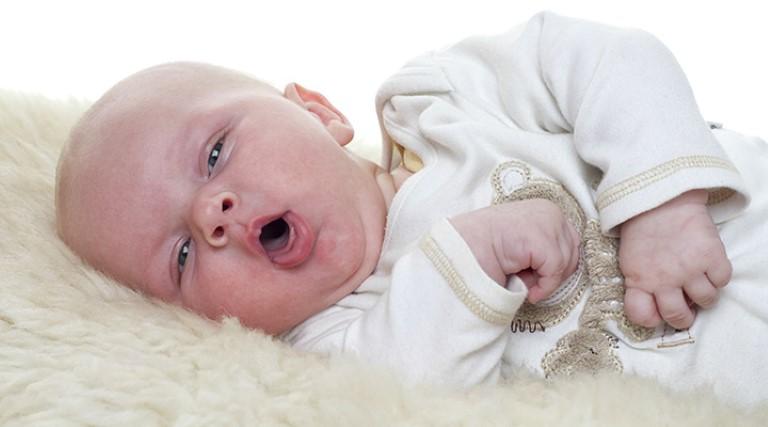 trẻ sơ sinh ho có đờm không sốt