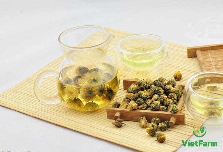 Uống trà hoa cúc giúp thanh nhiệt, giải độc