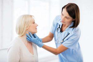 Nổi hạt trong cổ họng, vòm họng là bị gì, có phải ung thư?