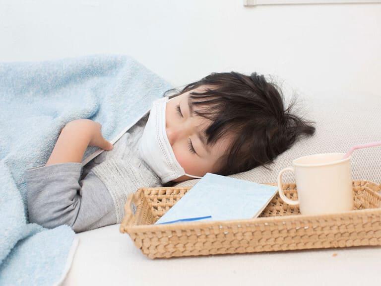 trẻ bị viêm amidan thường sốt mấy ngày