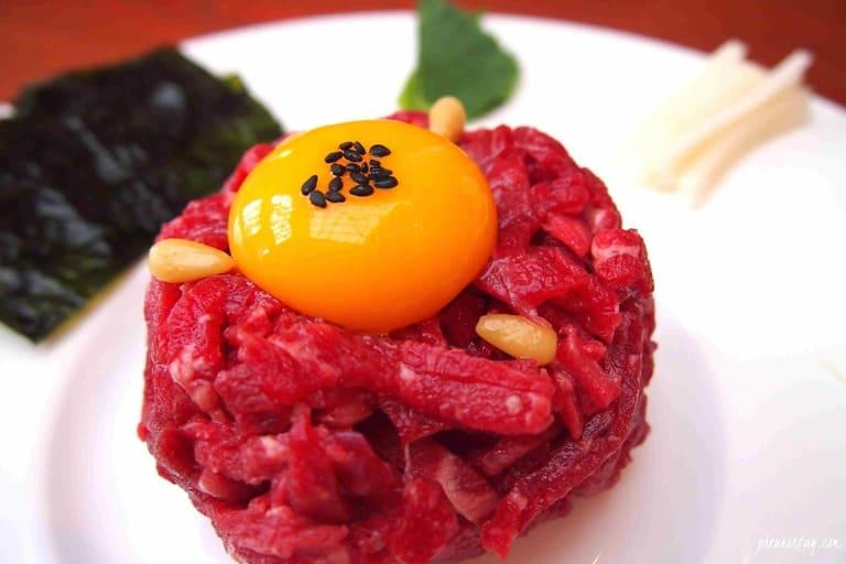 Bị viêm amidan ăn thịt bò được không, ăn được bao nhiêu?
