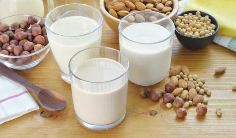 Bị sỏi thận uống sữa được không?