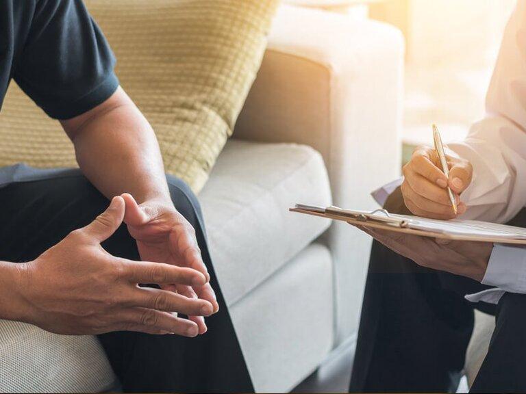 Cắt bao quy đầu có được bảo hiểm y tế không?