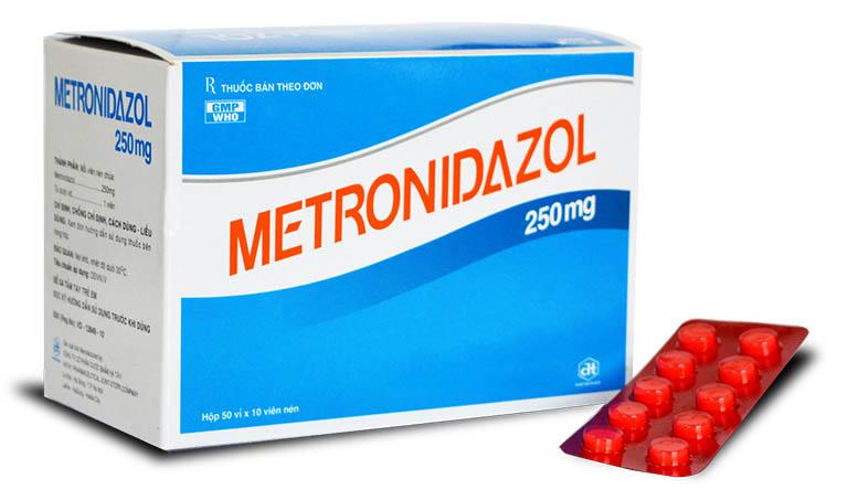 thuốc Metronidazol trị viêm niệu đạo ở nữ giới