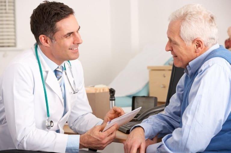 Các biến chứng sau mổ cột sống thường gặp và điều cần biết