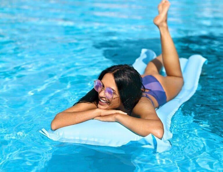 Bị thoát vị đĩa đệm có nên bơi không? Bơi kiểu gì?