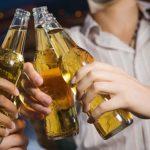 Uống nhiều rượu bia gây vô sinh, yếu sinh lý