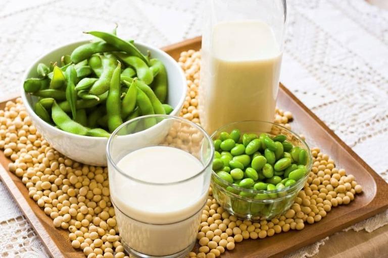 uống nhiều sữa đậu nành có gây vô sinh
