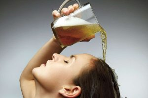 cách trị nấm da đầu bằng bia
