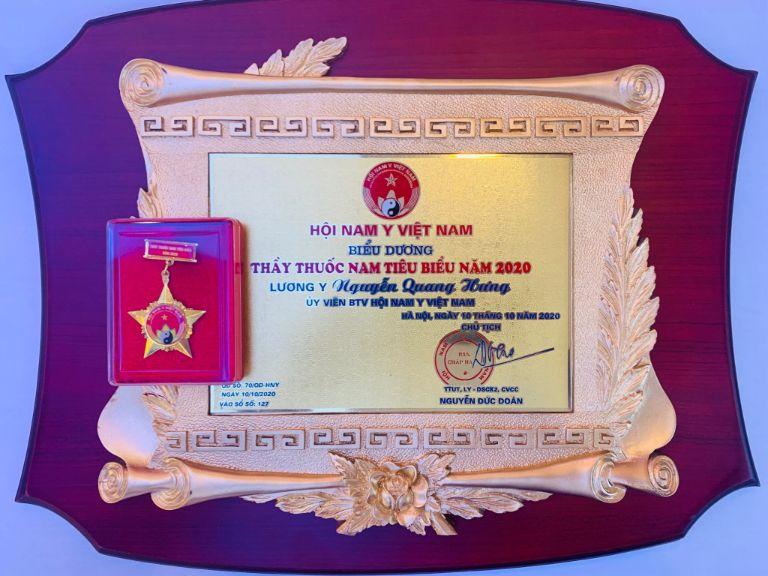 Giải thưởng Thầy thuốc Nam tiêu biểu của ông Nguyễn Quang Hưng