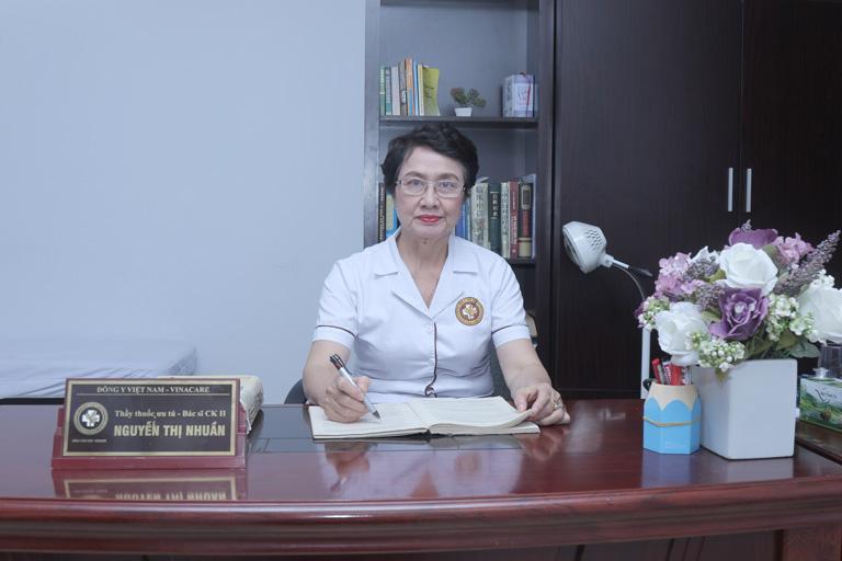 Bác sĩ Nguyễn Thị Nhuần - Giám đốc Chuyên môn Trung tâm Da liễu Đông y Việt Nam