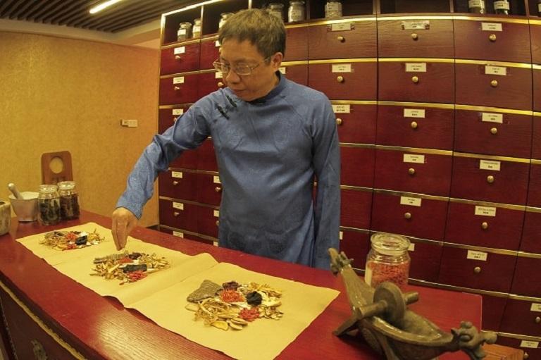 Ít ai biết được rằng bác sĩ Lê Hữu Tuấn chính là hậu duệ đời 18 của đại danh y Lê Hữu Trác