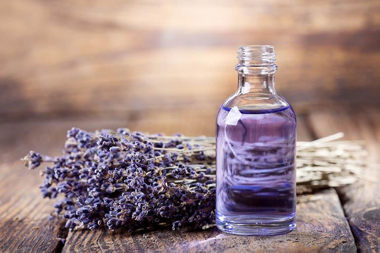 tinh dầu hoa oải hương trị viêm xoang