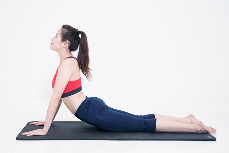 hỗ trợ điều trị giãn dây chằng lưng