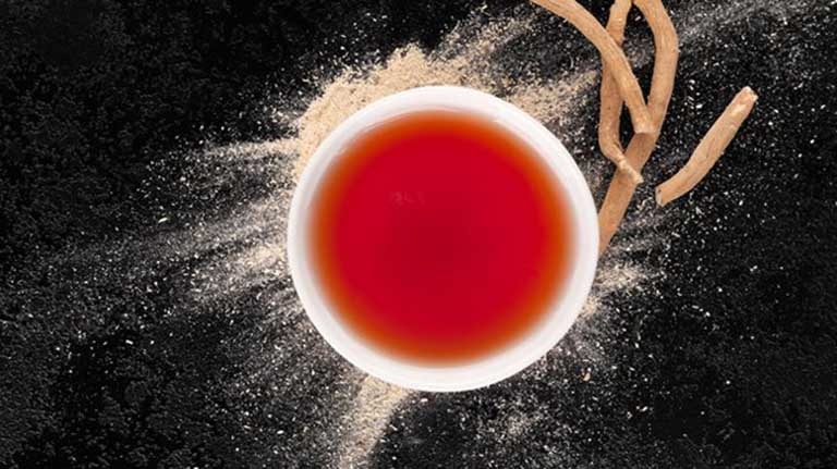 uống trà Ashwagandha dễ ngủ