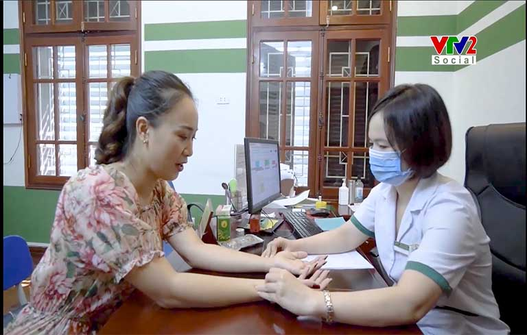 Bác sĩ Nguyễn Lệ Quyên tư vấn điều trị bệnh mề đay