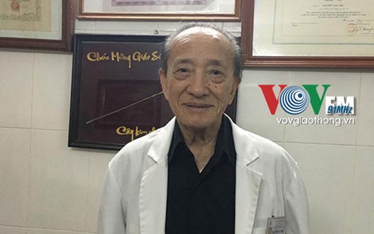 Giáo sư Tài Thu khởi xướng Trường phái Tân châm