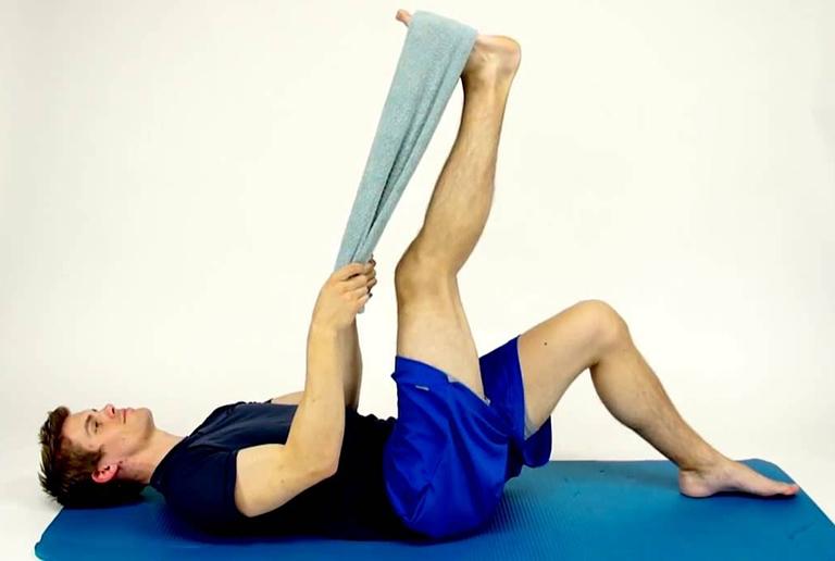 bài tập thể dục chữa đau lưng giãn gân khoe