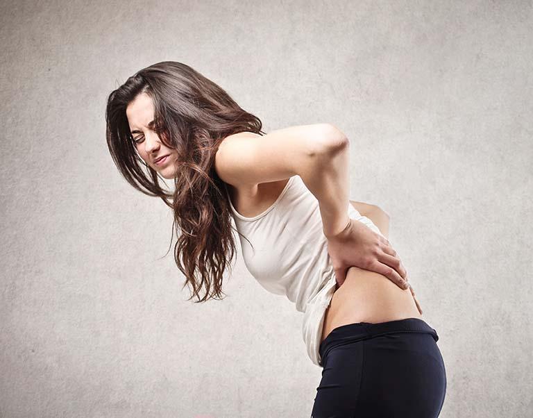 dấu hiệu bệnh đau lưng ở thanh niên